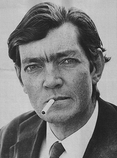 Julio Cortazár med cigarett